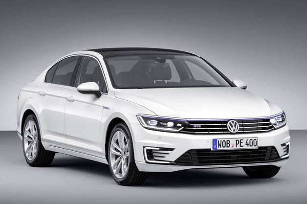 Volkswagen Charges Up New Passat GTE for the Trip to Paris