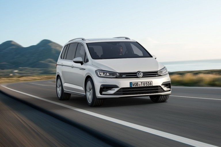 VW Touran R-Line Launched
