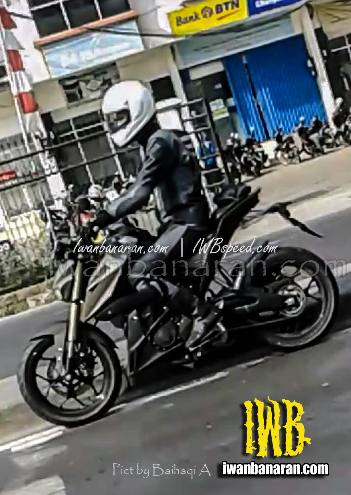 New Spyshots of the Yamaha MT-15 Emerge