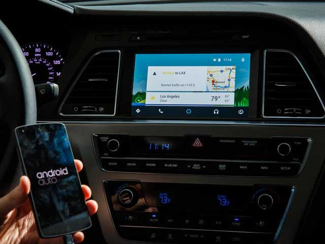 Toyota Becomes First Automaker to Shun Both Android Auto and Apple CarPlay