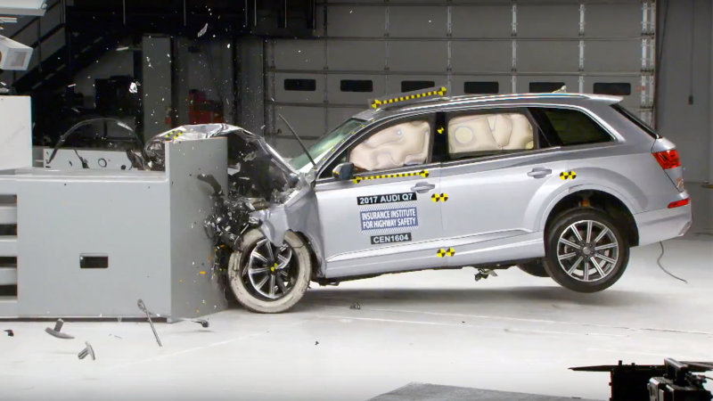 Audi Q7 Honored With IIHS Top Safety Pick + Rating