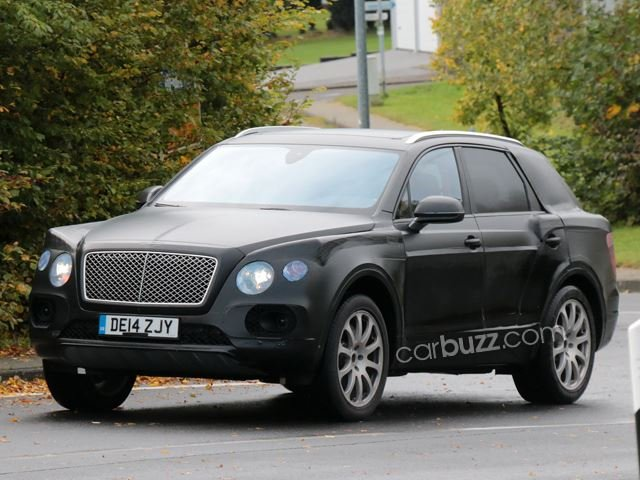 Bentley SUV spyshots