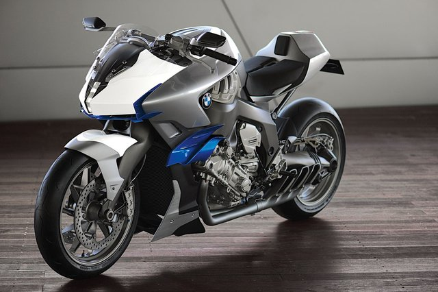 BMW reconsidering cruiser market with six-cylinder naked bike?