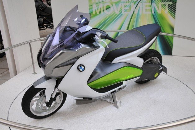 BMW Motorrad Concept E is zero-emission two-wheeled travel