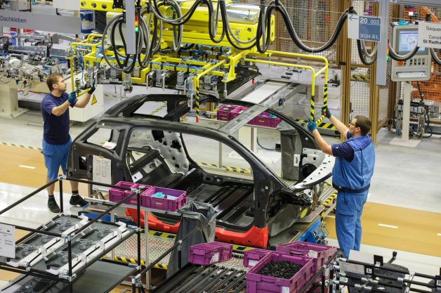 Automakers Stuck on Structural Adhesives for New Cars