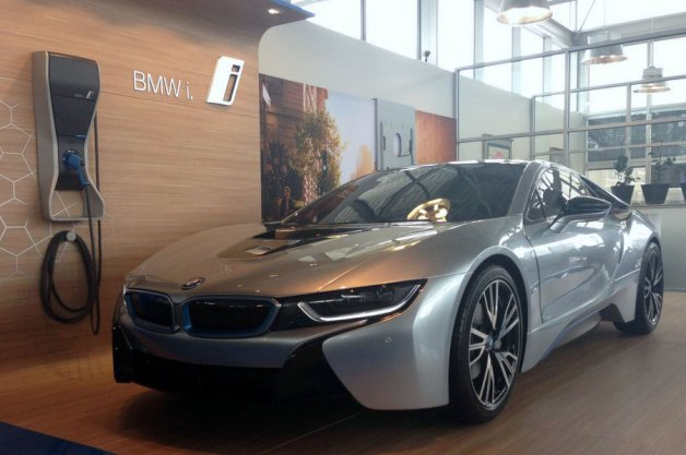 Someone's Willing to Pay $16,000 for a Hollow, Non-Working BMW i8