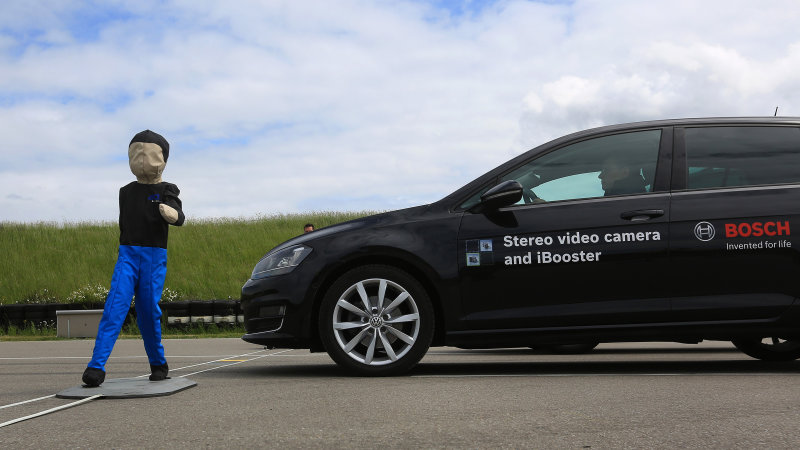 Ten Automakers Agree to Make Automatic Braking a Standard Feature