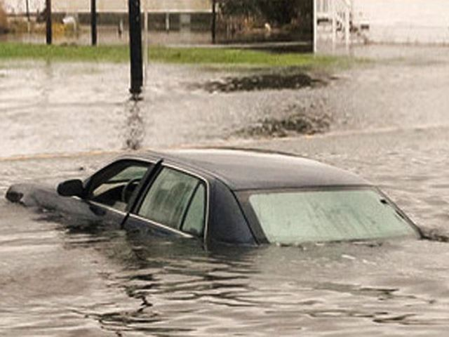 7 Warning Signs That a Used Car For Sale May Have Flood Damage