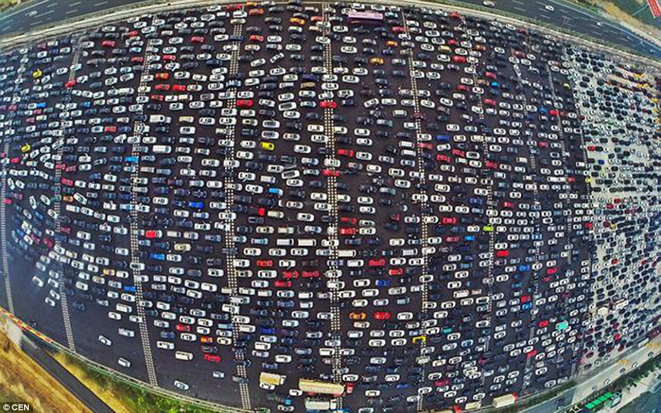 Drone Gives Bird's-Eye View of 50-Lane Traffic Jam in China