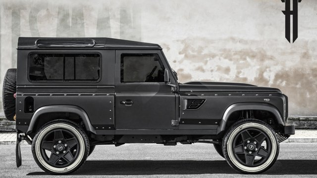 Kahn Stretches out LR Defender with Flying Huntsman 105 Longnose