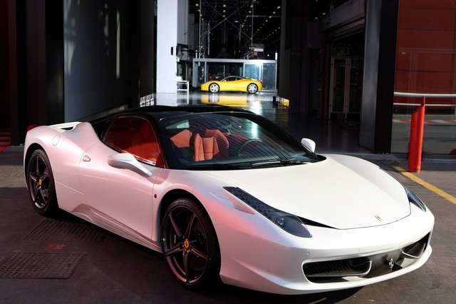 Ferrari 458 Spider to debut new type of folding roof mechanism?