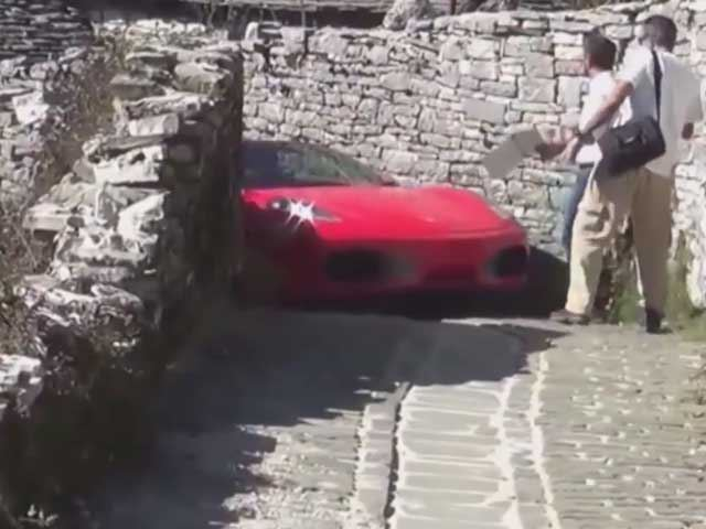 This Video of a Ferrari F430 on a Narrow Road Will Have You Cringing the Entire Time