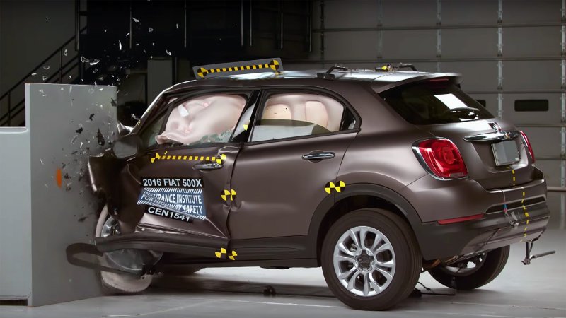 2016 Fiat 500X Crash test