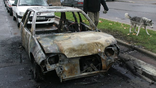 Only 940 Cars Torched in France this New Year's Eve