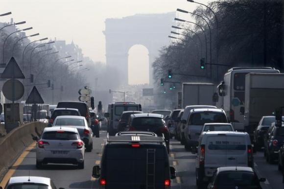 France Says Diesel Cars a 'Mistake,' Announces Phase-Out Plans