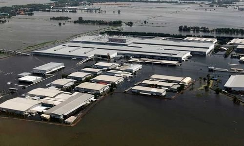 Toyota, Ford cut production as Thai floods disrupt supplies