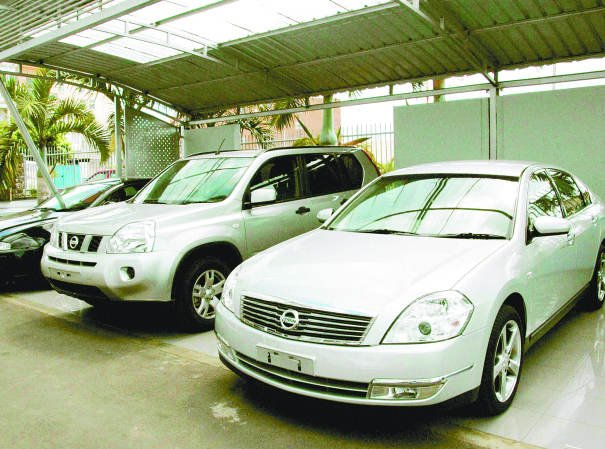 Lack of spare parts: 100 Japanese cars locked in the garage