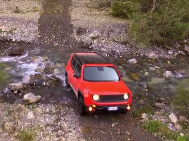 Jeep Renegade Goes Offroad to Prove it's Still a Jeep