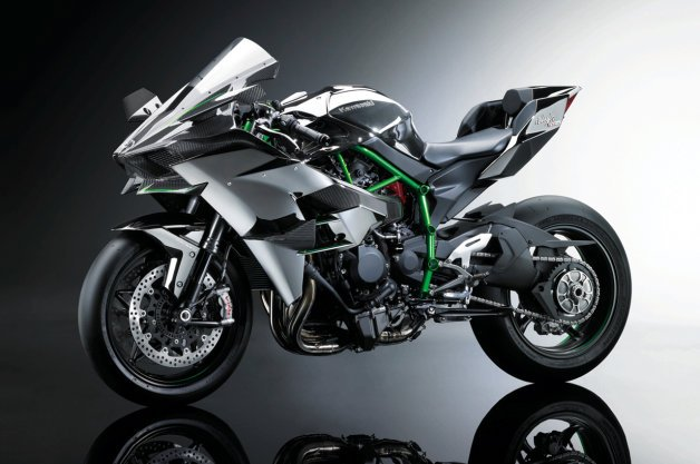 Kawasaki Ninja H2R is a 300-hp Supercharged Carbon-Fiber Cruise Missile