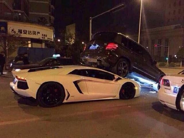 Lamborghini Aventador Gives Mercedes-Benz GLK an Unexpected Lift in China