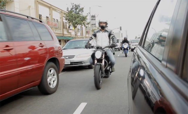 RideApart Defends Lane Splitting on Motorcycles
