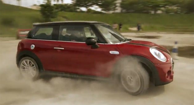 2015 Mini Cooper S Does Best Gymkhana Impersonation in Malaysia
