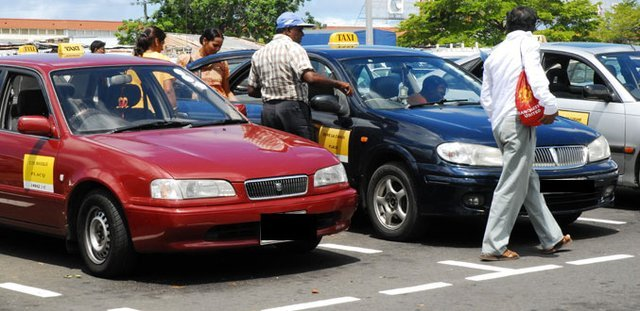 Goodlands and Rivière du Rempart Taxis Protest Because Parking