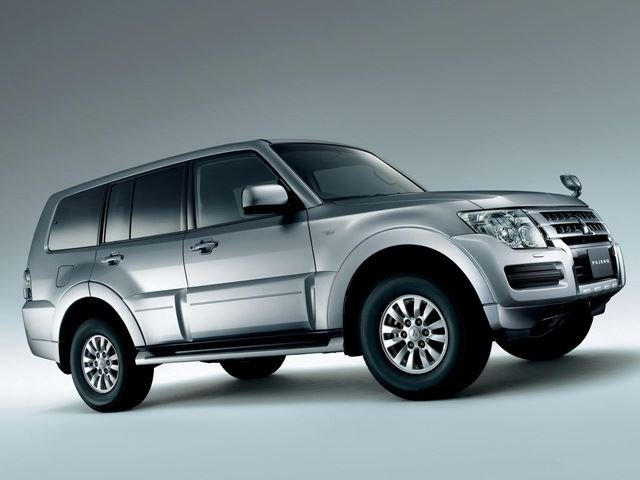 Mitsubishi Brings Updated 2015 Pajero to Moscow