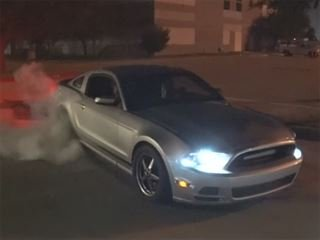 V6 Mustang Smoking a 720-HP GT-R Shows the Power of Nitrous