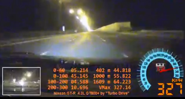 GT-R Owner Finds Going 325 km/h on a Public Freeway is Asking for Trouble