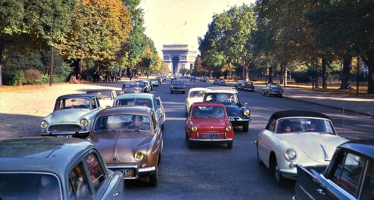 Parisian ban on old cars has officially taken effect