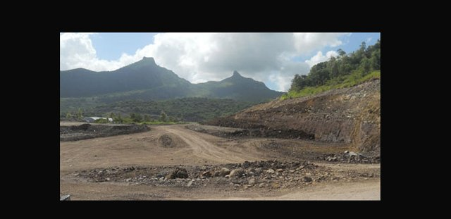 Ring Road: People must pass through Reduces Sorèze to go to Port-Louis