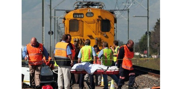 South Africa: At Least 30 Killed in Collision Between Train and Truck