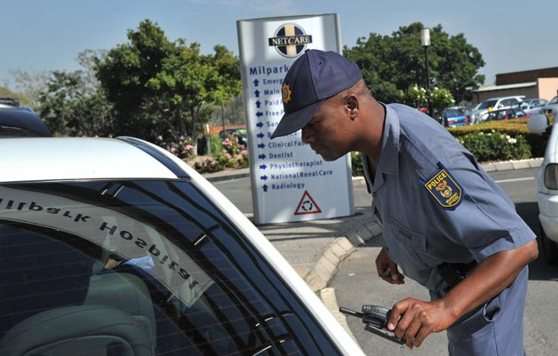 Police Confiscating Motorists' Phones in Cape Town
