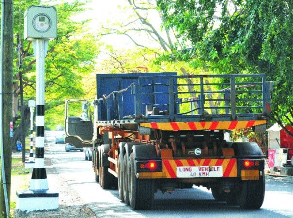 10 Speed Cameras Already Operational: Focus on Trucks and Buses