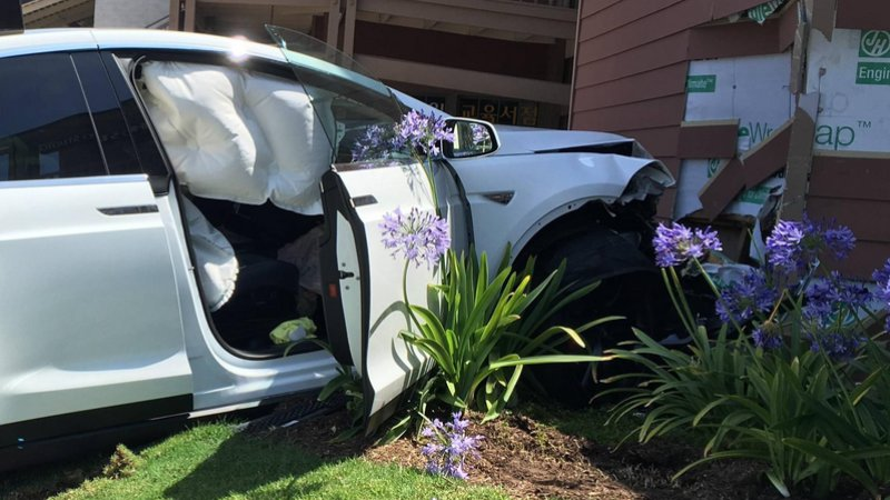Tesla Rejects Driver's Claim Of Unintended Acceleration In Model X