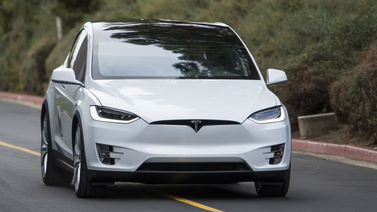 First Used Tesla Model X Offered With an $80k Markup
