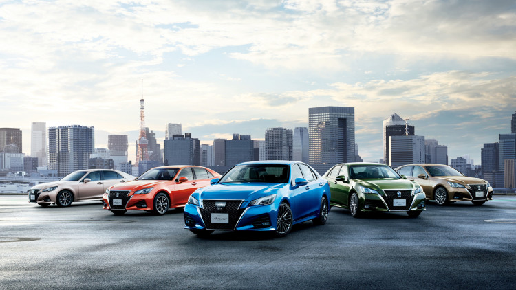 Toyota Updates JDM Crown Sedan to Celebrate 60th Birthday
