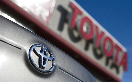 Toyota's reputation takes big consumer hit, other automakers recover