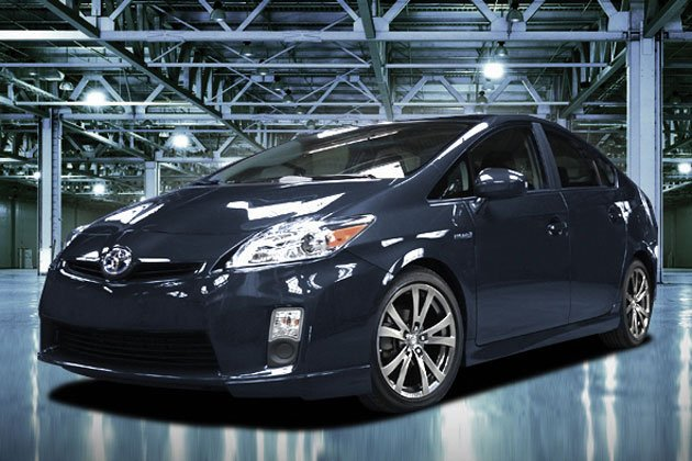 Toyota announces Plus Performance Package for Prius hybrid