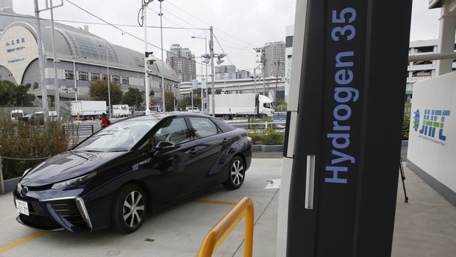 Tokyo Wants 6k Fuel-Cell Cars from Toyota and Honda for 2020 Olympics