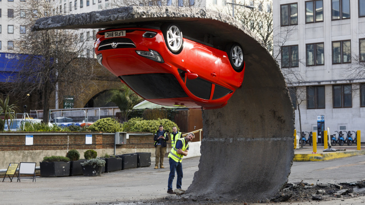 Gravity-Defying Vauxhall Sculpture Goes up in London