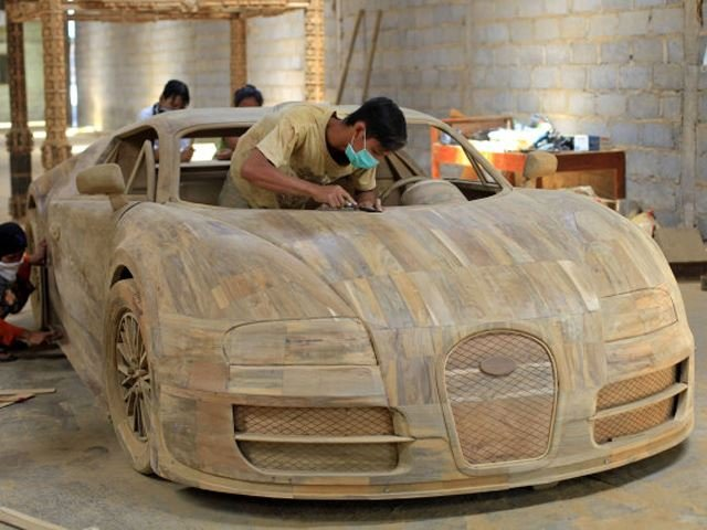Stunning Veyron Chariot Crafted From Wood