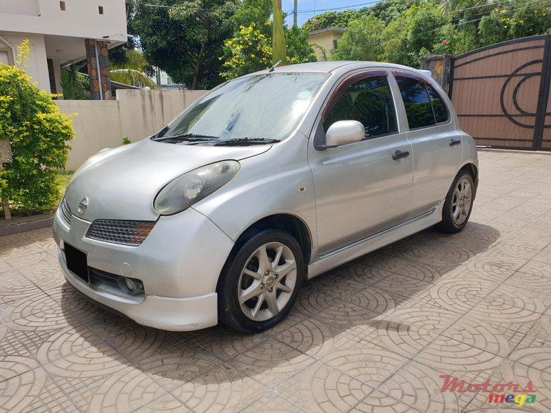 2004 Nissan March SR in Rose Hill - Quatres Bornes, Mauritius