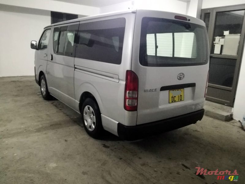 2010 Toyota Hi-Ace Dual purpose in Roches Noires - Riv du Rempart, Mauritius - 3