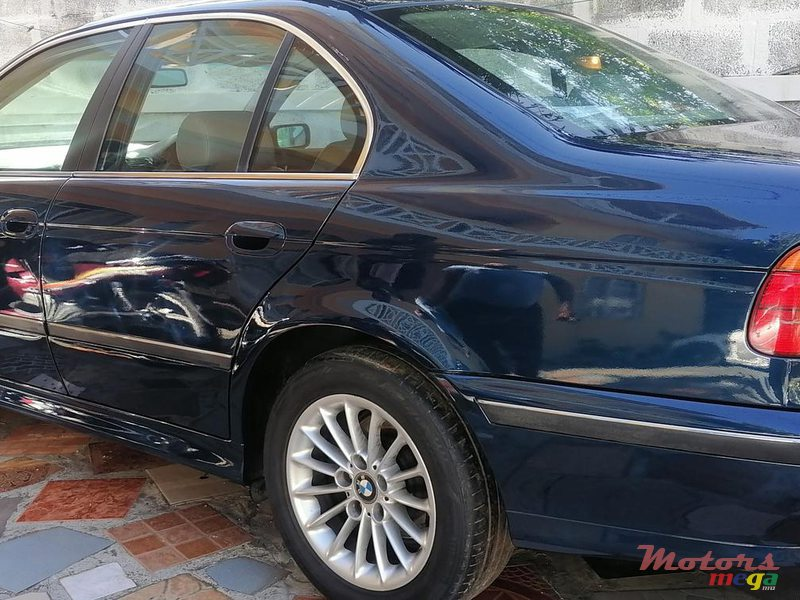 2001 BMW 520 in Terre Rouge, Mauritius - 4