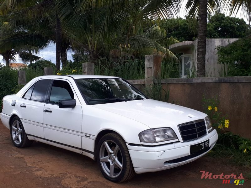 1995 Mercedes-Benz C-Class in Terre Rouge, Mauritius