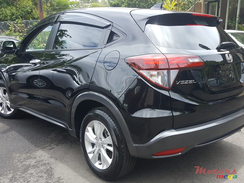 2015 39 honda hr v vezel hybrid for sale price is. Black Bedroom Furniture Sets. Home Design Ideas