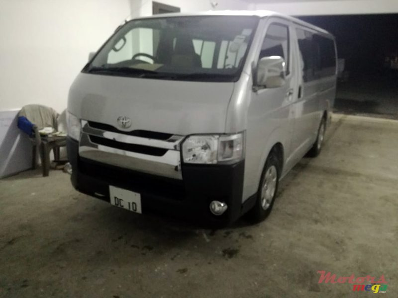 2010 Toyota Hi-Ace Dual purpose in Roches Noires - Riv du Rempart, Mauritius