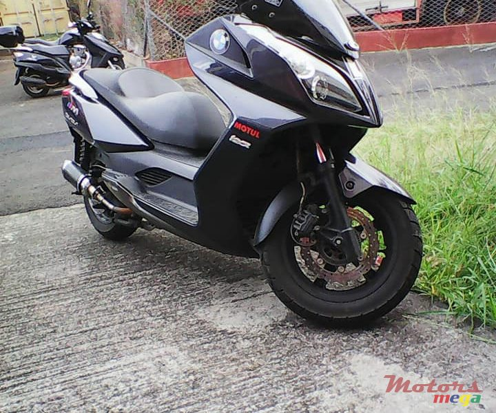 2015 Kymco exhaust pipe en Terre Rouge, Maurice - 4